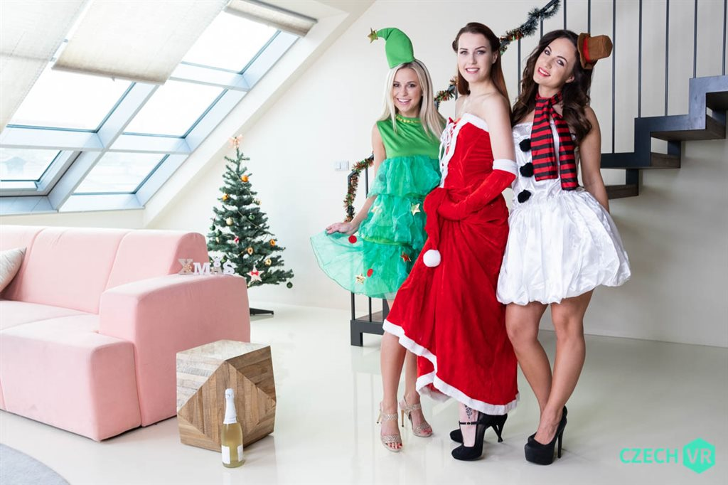 Czech VR 321 - Christmas With a Bang Charlie Red, Kristy Black, Lola Myluv