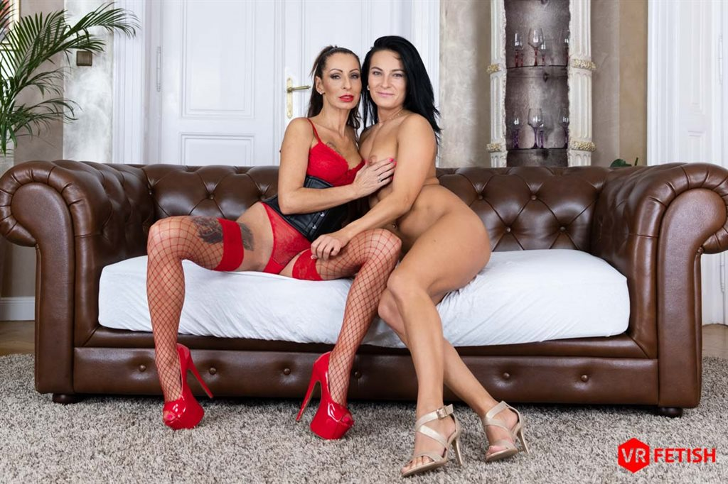 Czech VR Fetish 206 - Two Hands, One Pussy  Lexi Dona, Valentina Sierra