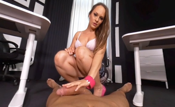 3D Foot Fuck: Blonde Enjoys Foot Licking in Office Blue Angel