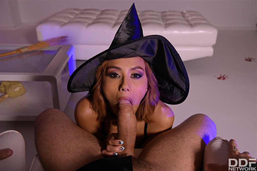 Witchy Woman Veronica Leal