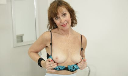Lady Valentina Solo in the Office Lady Valentina