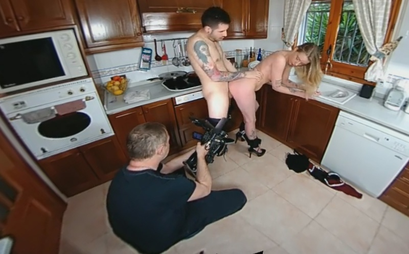 Backstage: Housewife Gonzo Shooting Melody Pleasure
