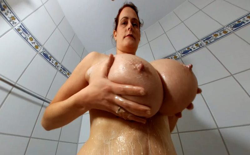 A Milk Shower for Busty Cleo Messy Cleo