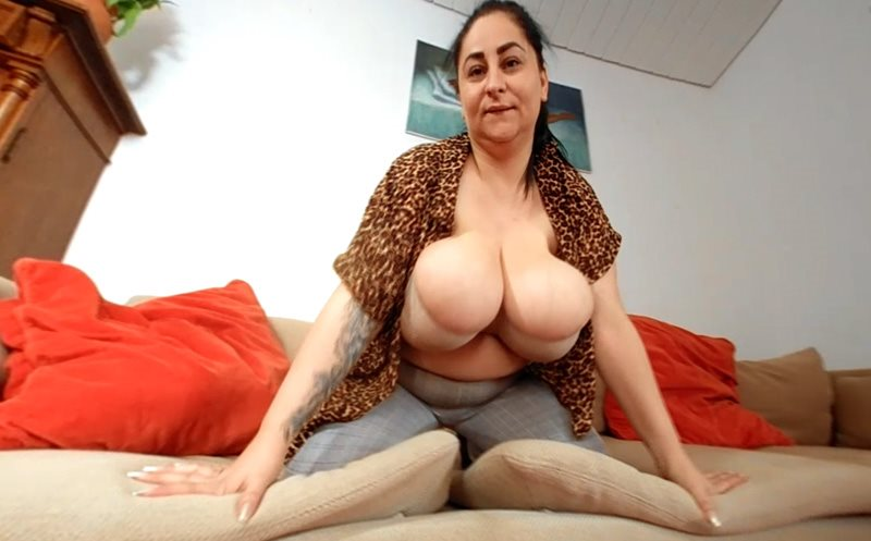 The Hot Leopard Blouse Strip with Alice85JJ Alice 85JJ