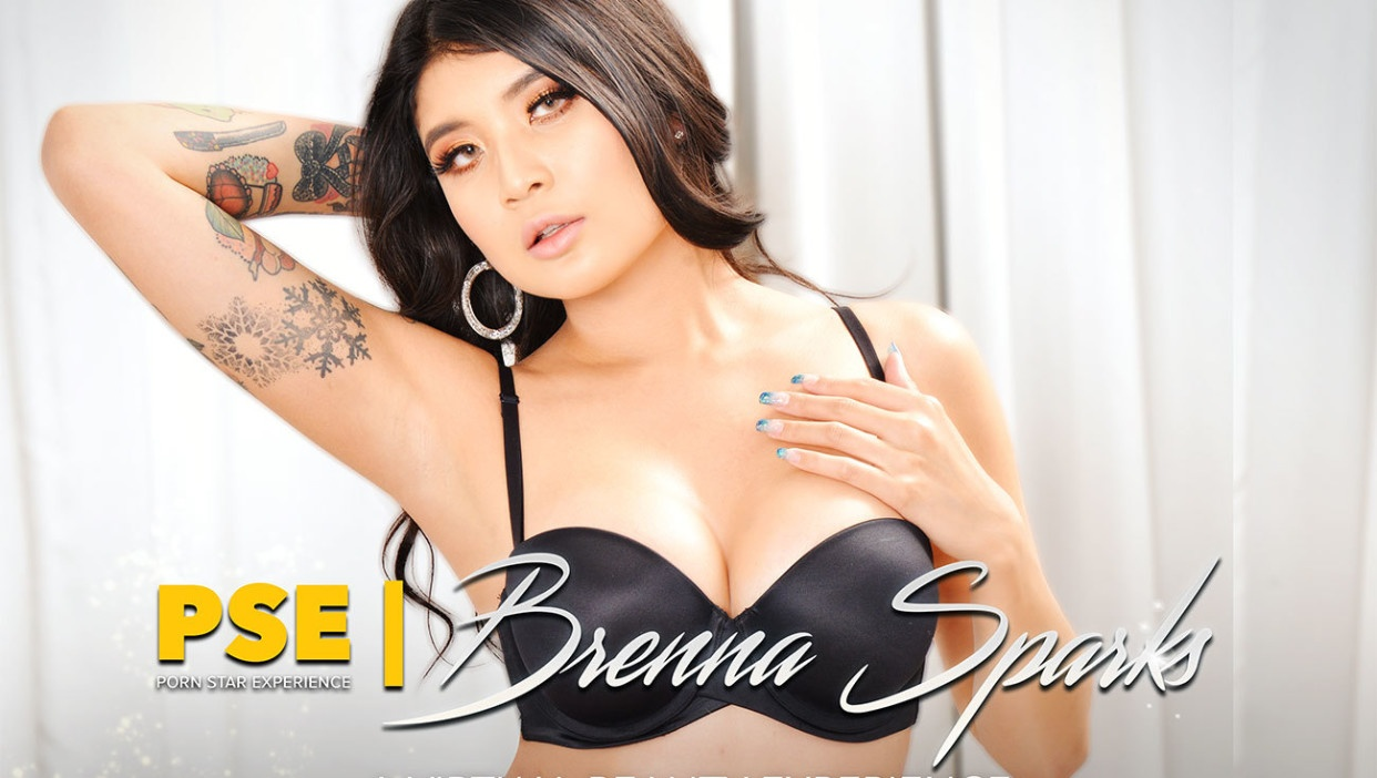 Brenna Sparks Will Set Your Pants on Fire Justin Hunt, Brenna Sparks
