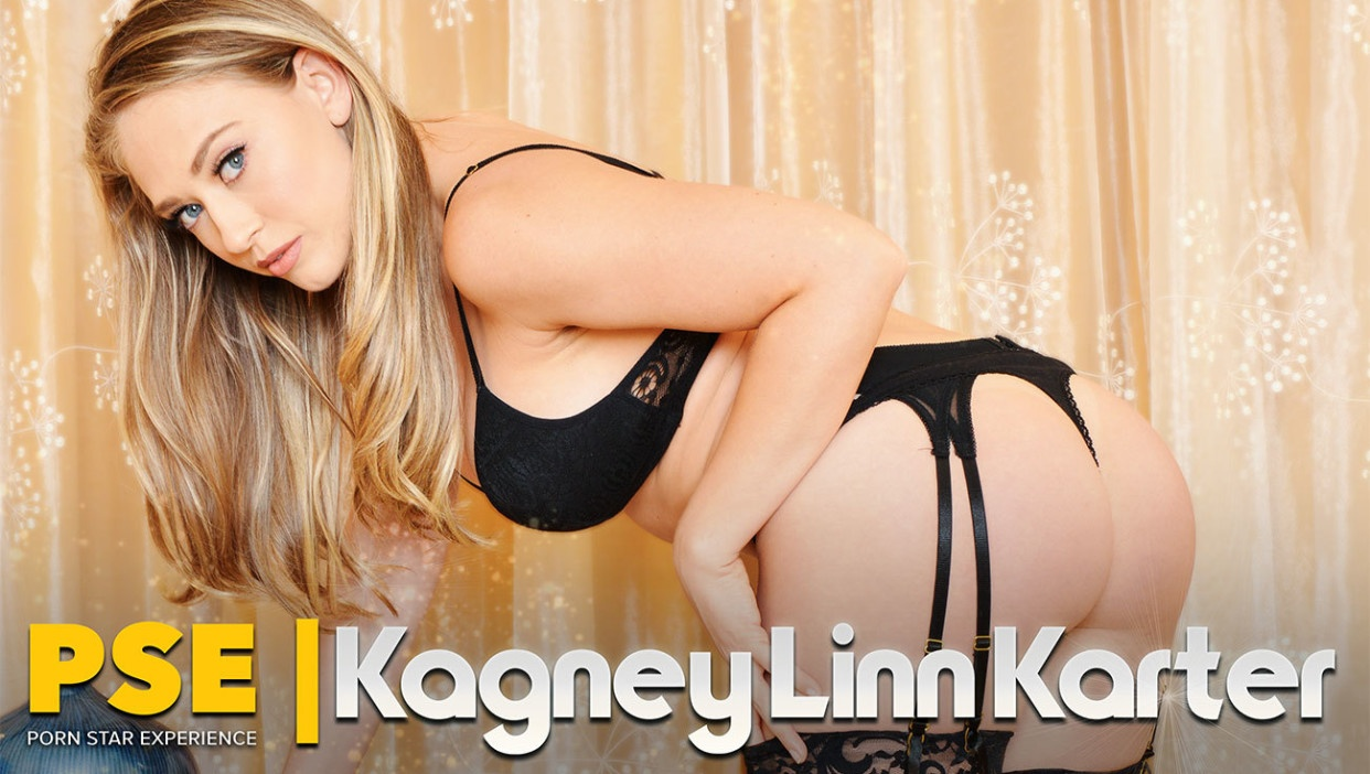 She knows what she's doing: VR porn with Kagney Linn Karter Kagney Linn Karter, Johnny Castle