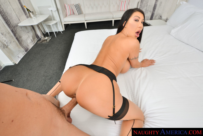 August Taylor fucks you in VR Ryan Driller, August Taylor