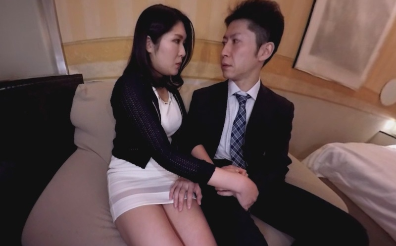 A Peek at Japanese Love Hotels Part 1 - Japanese Blowjob and Handjob