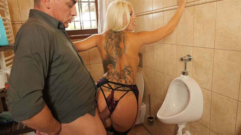 Toilet Tramp Blanche Bradburry