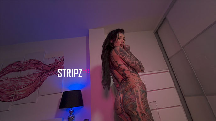 Hellzbellz - Heavily Tattooed Brunette Solo Model Becky Holt