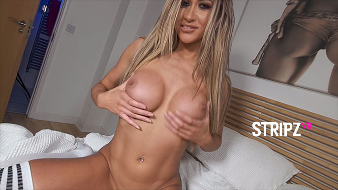 Wet - Amazing Blonde Striptease Jessy Ruth