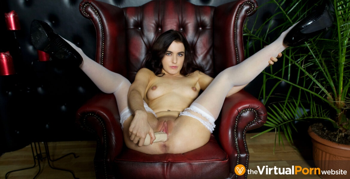 Amateur Teen VR Webcam Session - Shaved Babe Toying Lola Rae