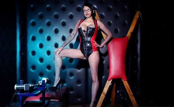 In The Dungeon With Tia - BDSM with Fuck Machine Tia Saint