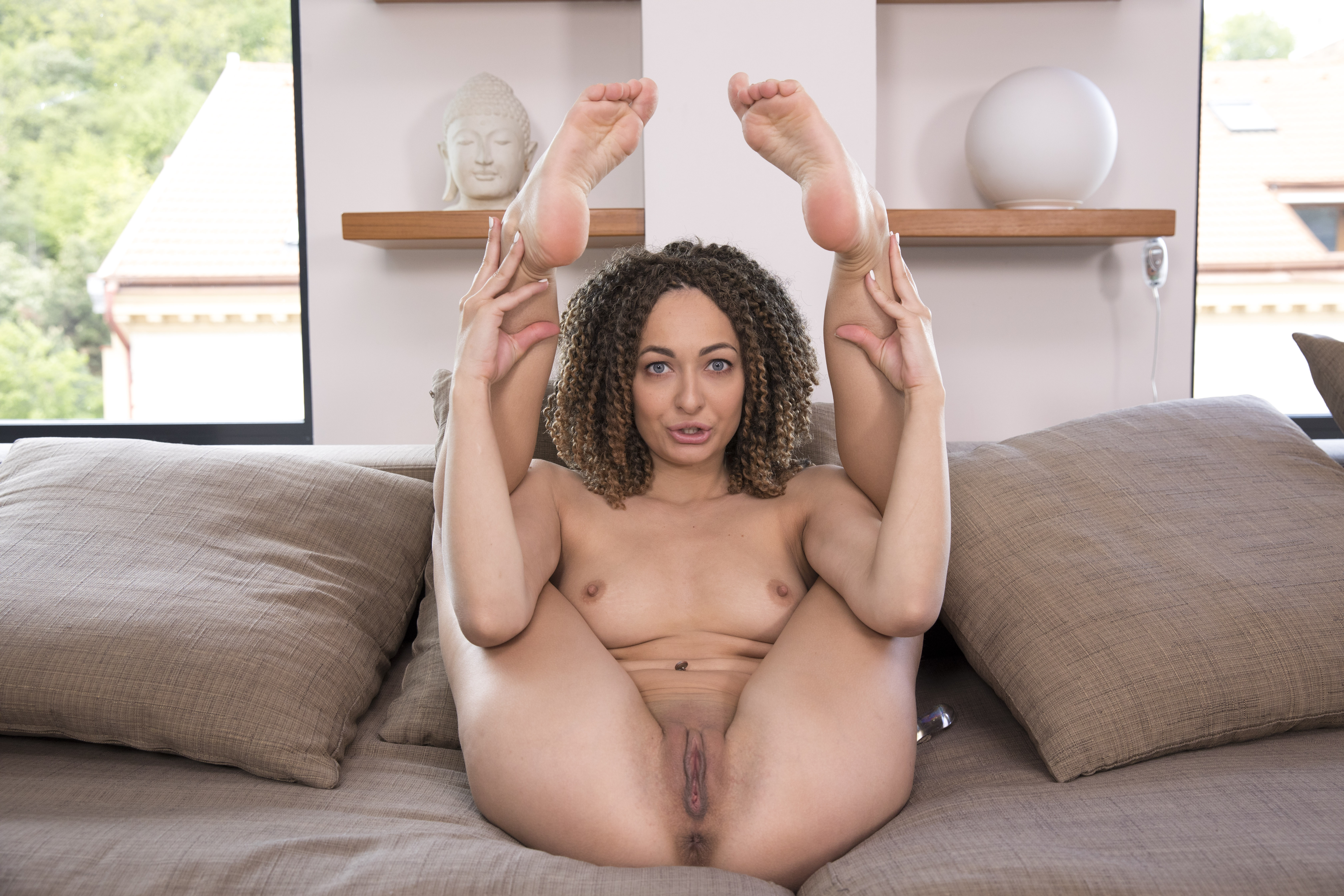 Playing With Dildo And Virtual Sex - Exotic Solo Babe Lola Jones