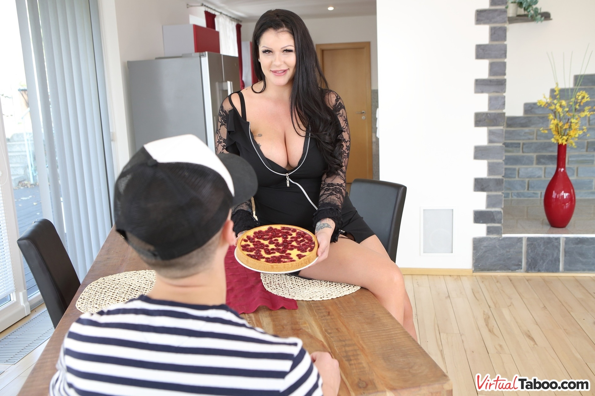 Mom, I Want Your Pie Anissa Jolie