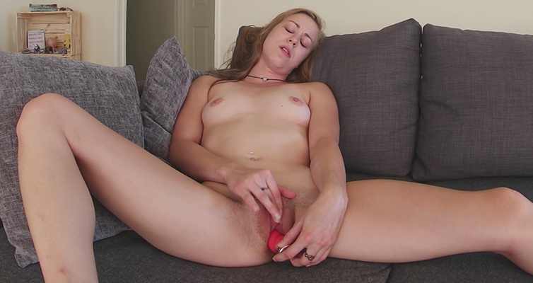 Mab Dabble's Fabulous Contractions - Amateur Toying Her Pussy Mab Dabbles
