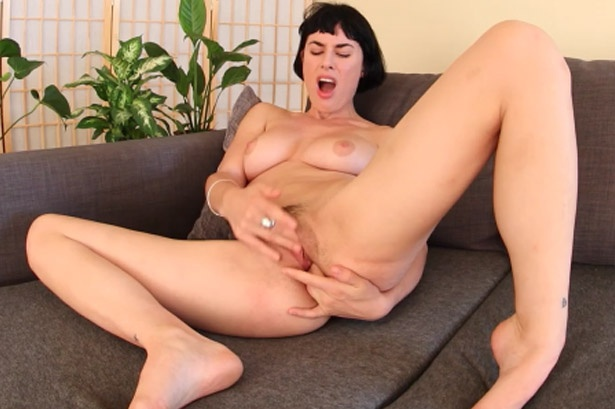 Olive Glass's Public Fucking Fantasy - Amateur Sex Chat Olive Dundee