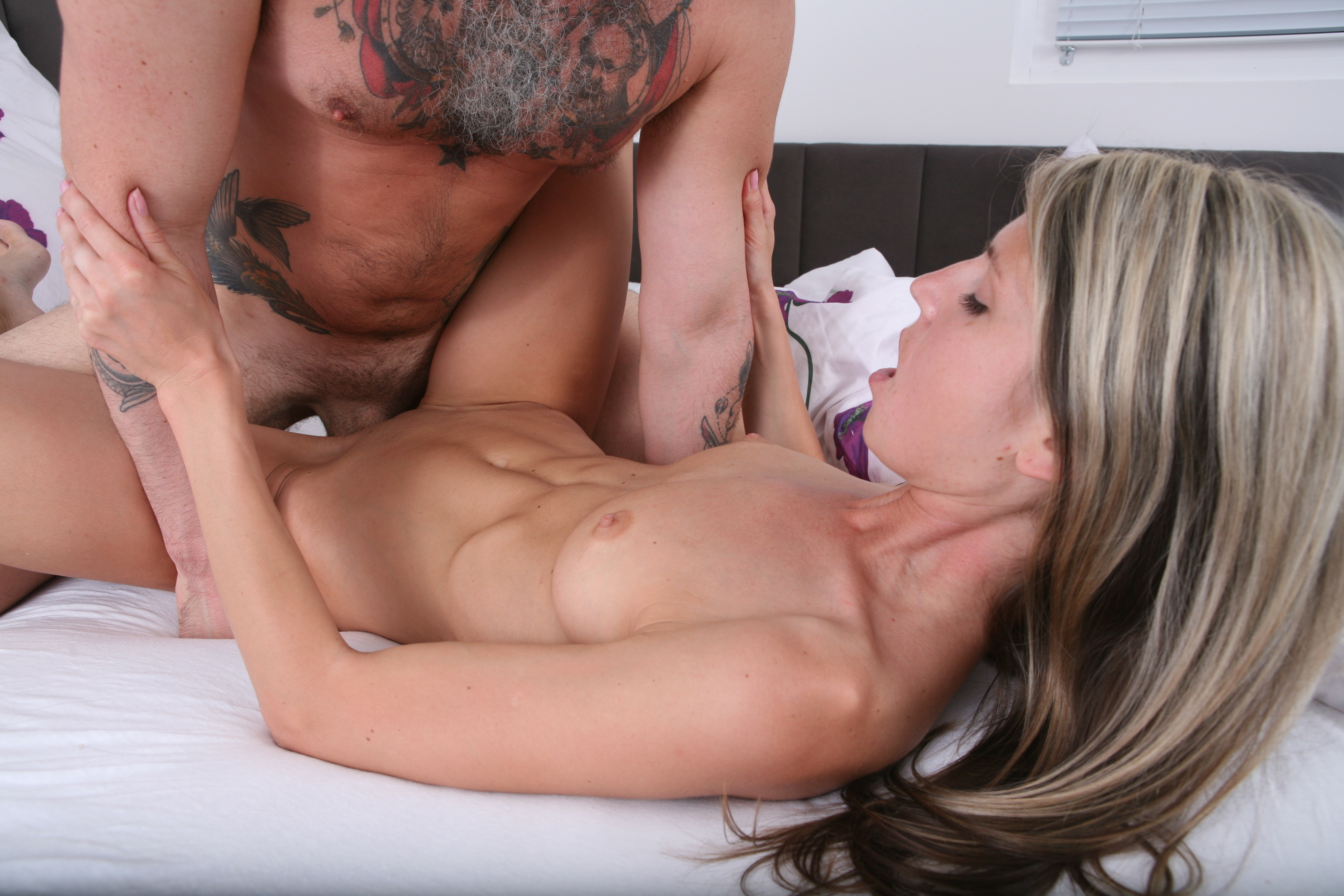 Couple Bangs Hard in Bed - Petite Hottie Rides Like a Cowgirl Gina Gerson